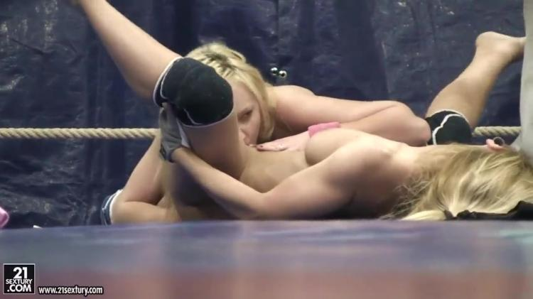 Nude fight with blondes